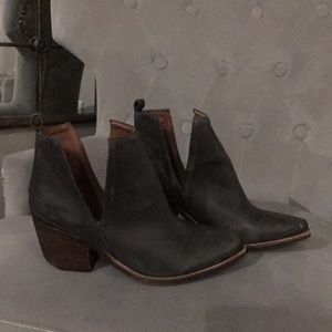 Size 8 Grey Jeffrey Campbell booties